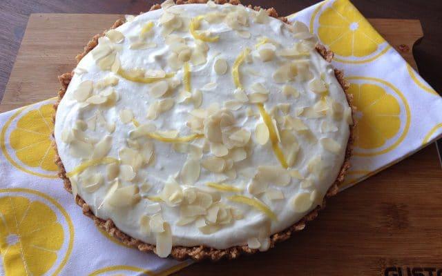 Limoncello-ricotta taart met amaretti bodem