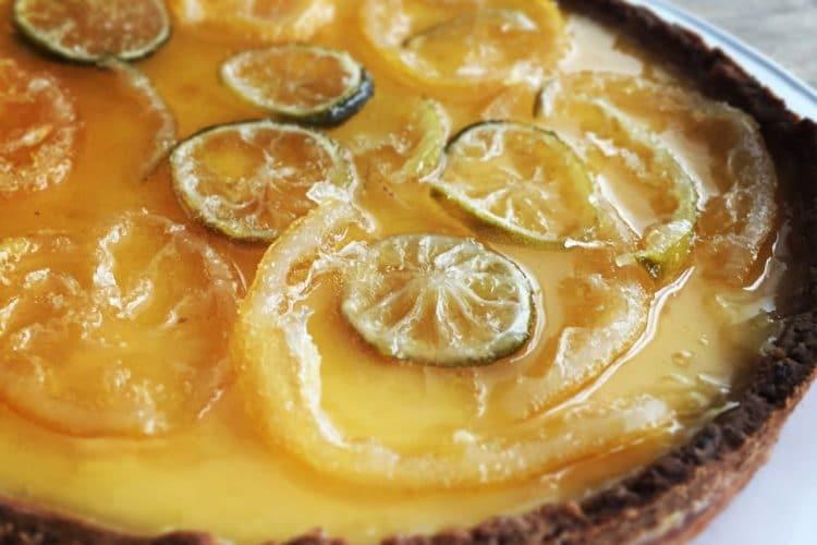 Gin-tonic taart met lemoncurd en gekonfijte citroen