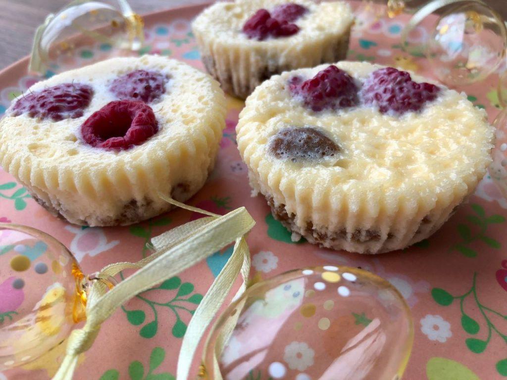 mini cheesecake met frambozen