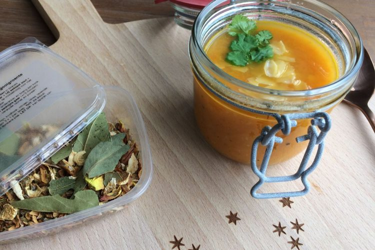Soepcadeautje per post! + recept voor wortelsoep met sinaasappel en gember
