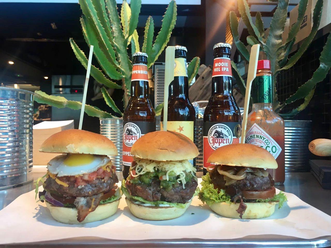 Hofhouse: Burgerz