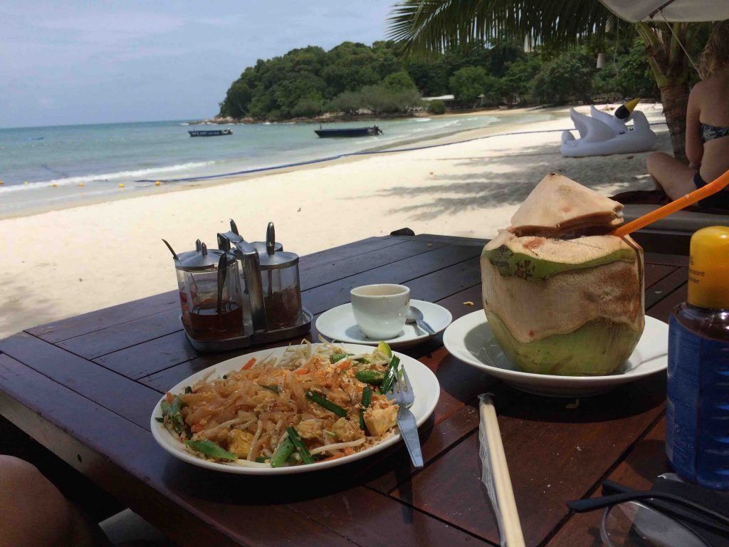 Pad thai aan het strand