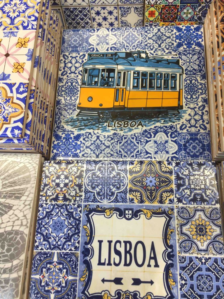 things to do in Lissabon- tram 28