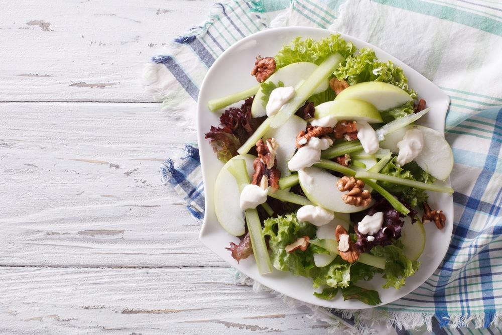 Geschiedenis van beroemde gerechten: waldorf salade