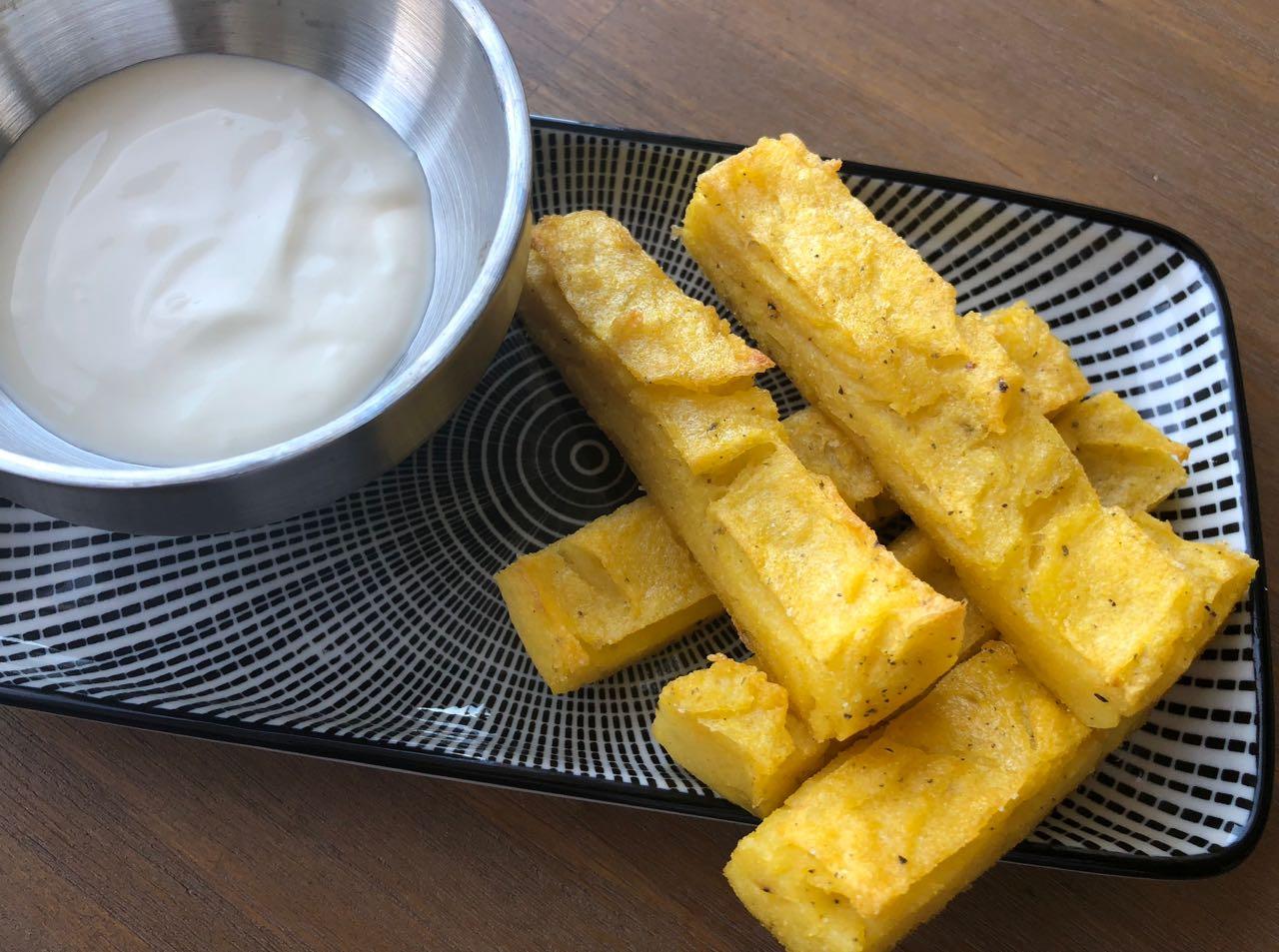 polentafriet met limoenmayonaise