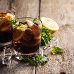 Geschiedenis van beroemde gerechten #20: mojito, cuba libre en screwdriver