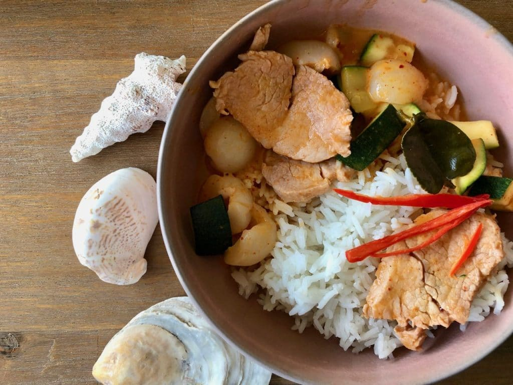 Paneng curry met varkenshaas