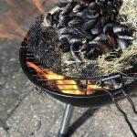 Mosselen van de BBQ en een glaasje sangria