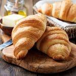 Geschiedenis van beroemde gerechten #25: croissant en stokbrood