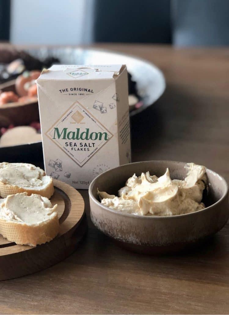 Luchtige bruine boter