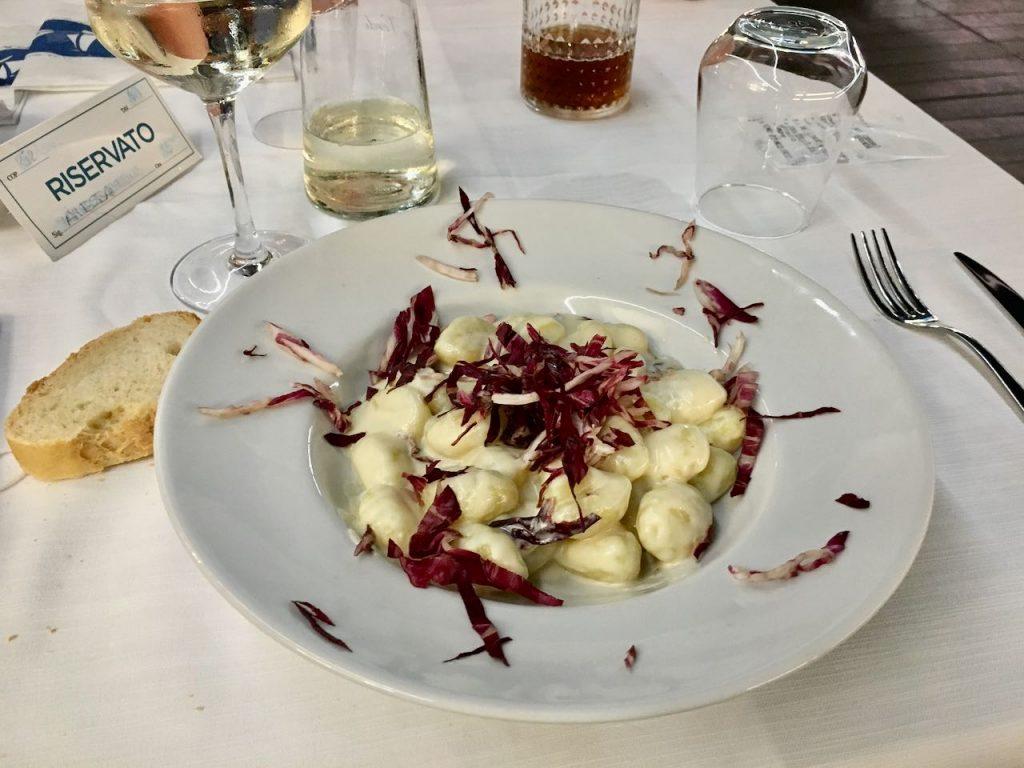 gnocchi met taleggio en roodlof