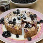 Pruimen-bramen crumble taart en bramenjam