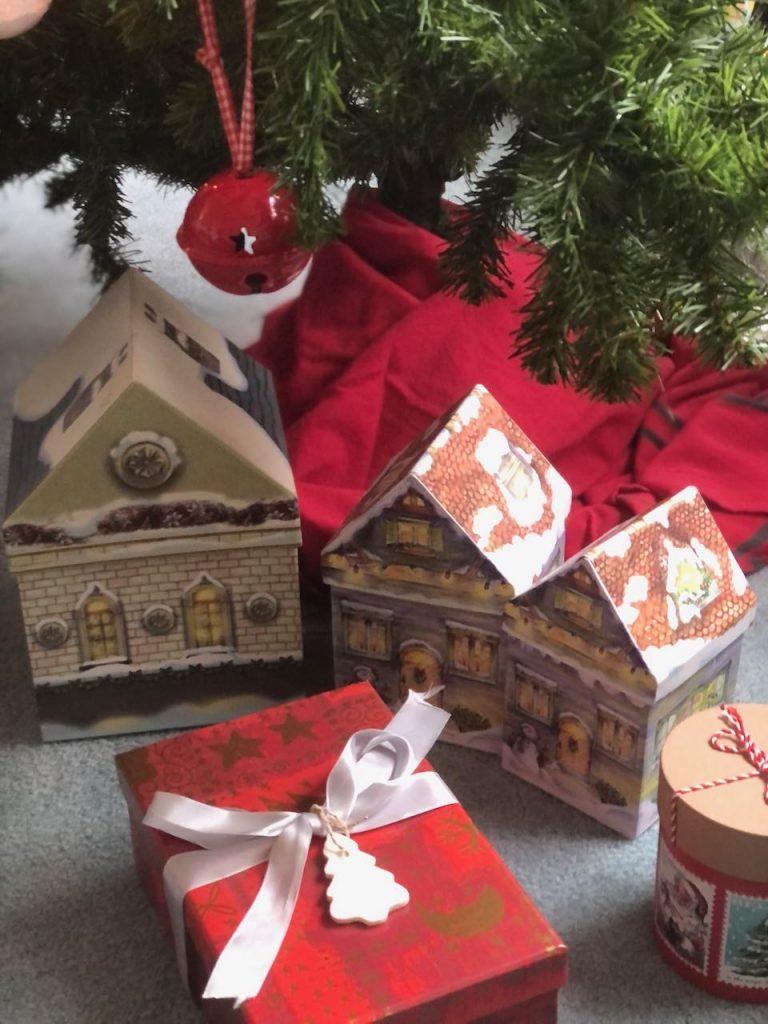 kerstdecoraties van zelfgemaakte klein