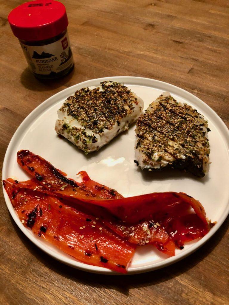 Gegrilde kabeljauw met sesam-zeewier korst