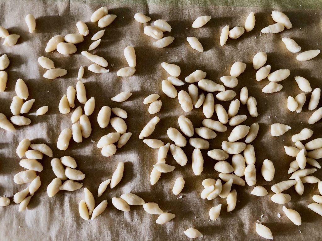 zelf orzo pasta maken