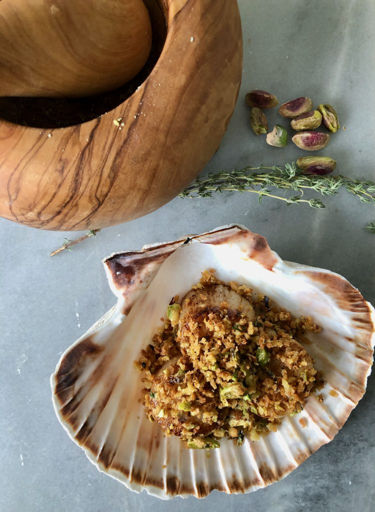 coquilles met pistachecrumble