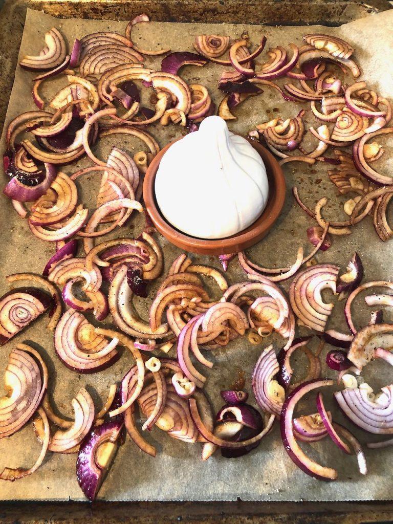Gekarameliseerde uien uit de oven