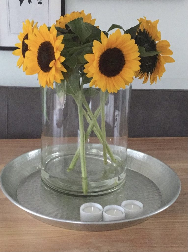 Zonnebloemen uit de moestuin